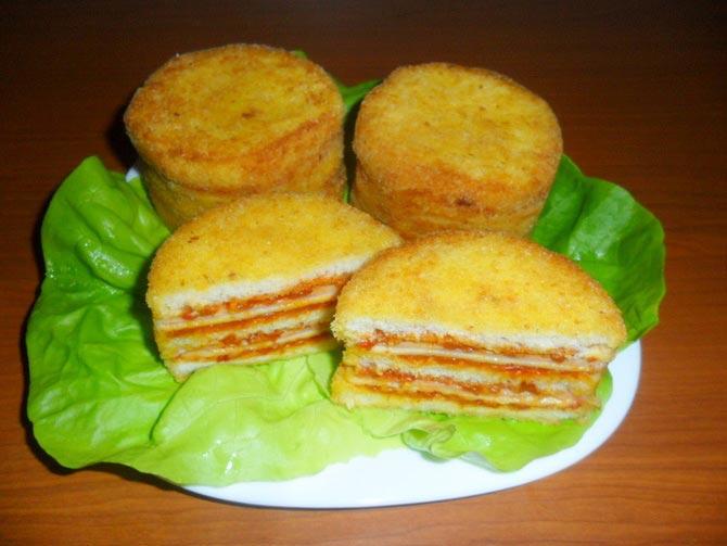 Слојевити сендвичи са ајваром,  идеални за доручак или вечеру!