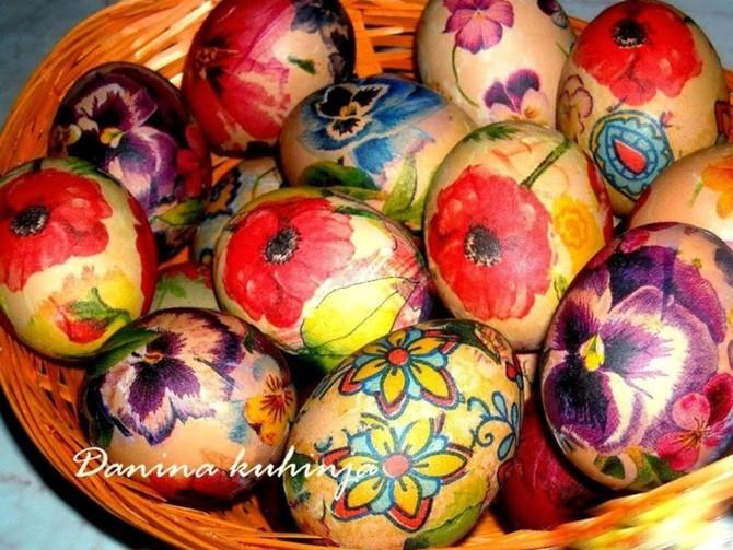 Фарбање ускршњих јаја – декупаж