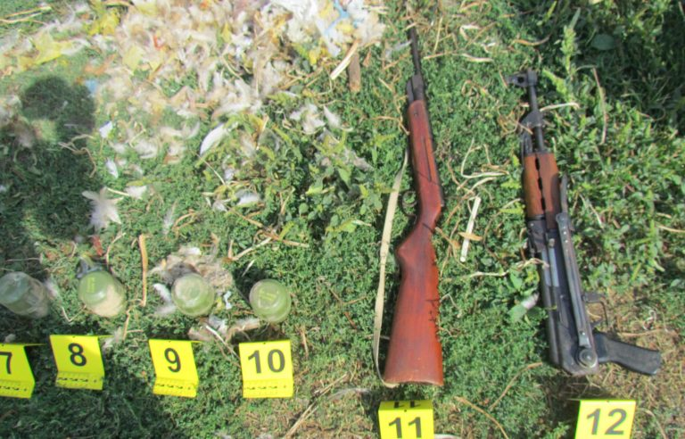 Пронађене пушке, бомбе, муниција…